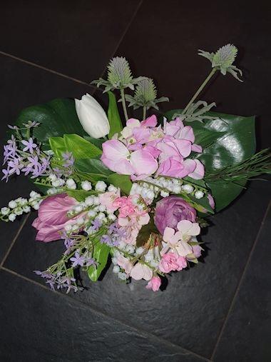 Boeket 30 cm. (incl. lila vaas)